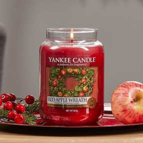 Yankee Candle Classic Large Red Apple Wreath